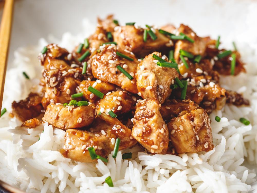 Kryddigt, lättlagat och gott: Kycklingen sesamolja, soja och så lite hetta av sambal oelek.