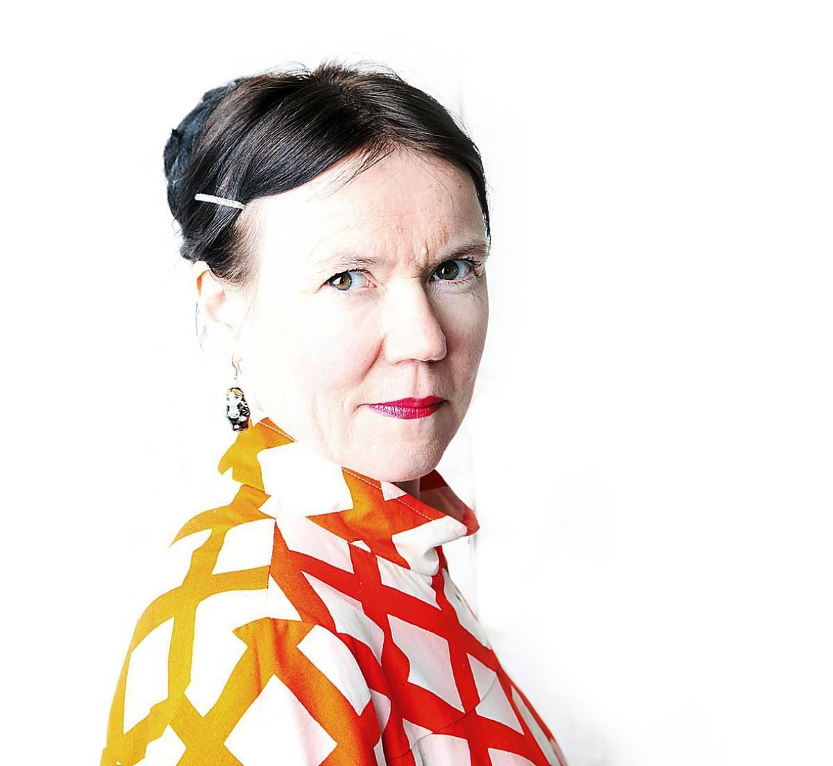 Rosa Liksom är en pseudonym för Anni Ylävaara (född 1958 i Lappland).