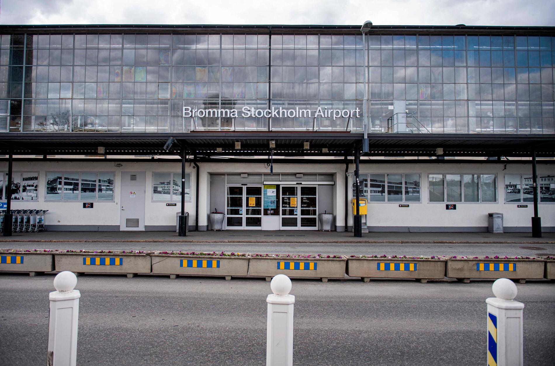 Just nu är det tomt på Bromma flygfält.