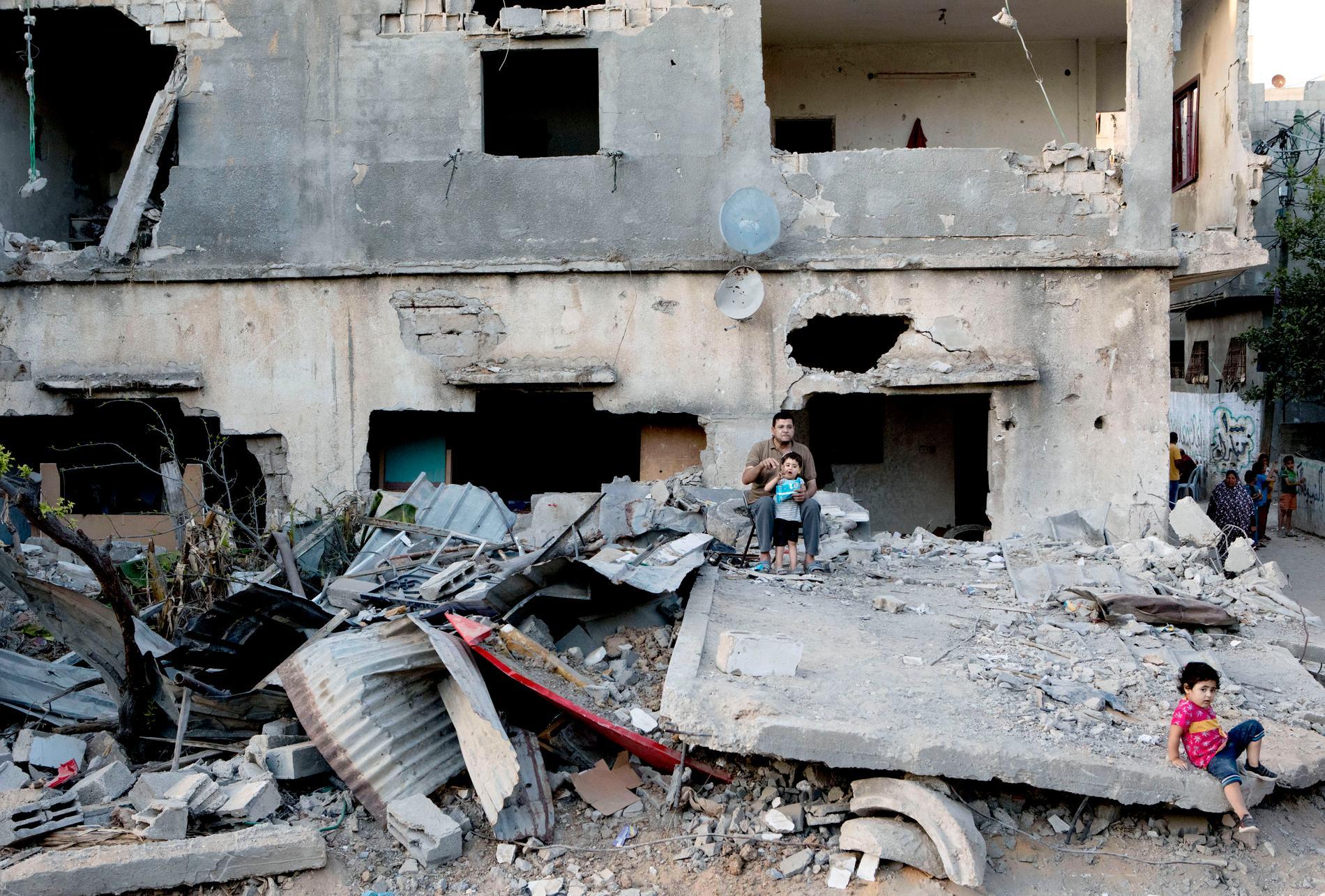 Många bostadshus totalförstördes av de israeliska bomberna.