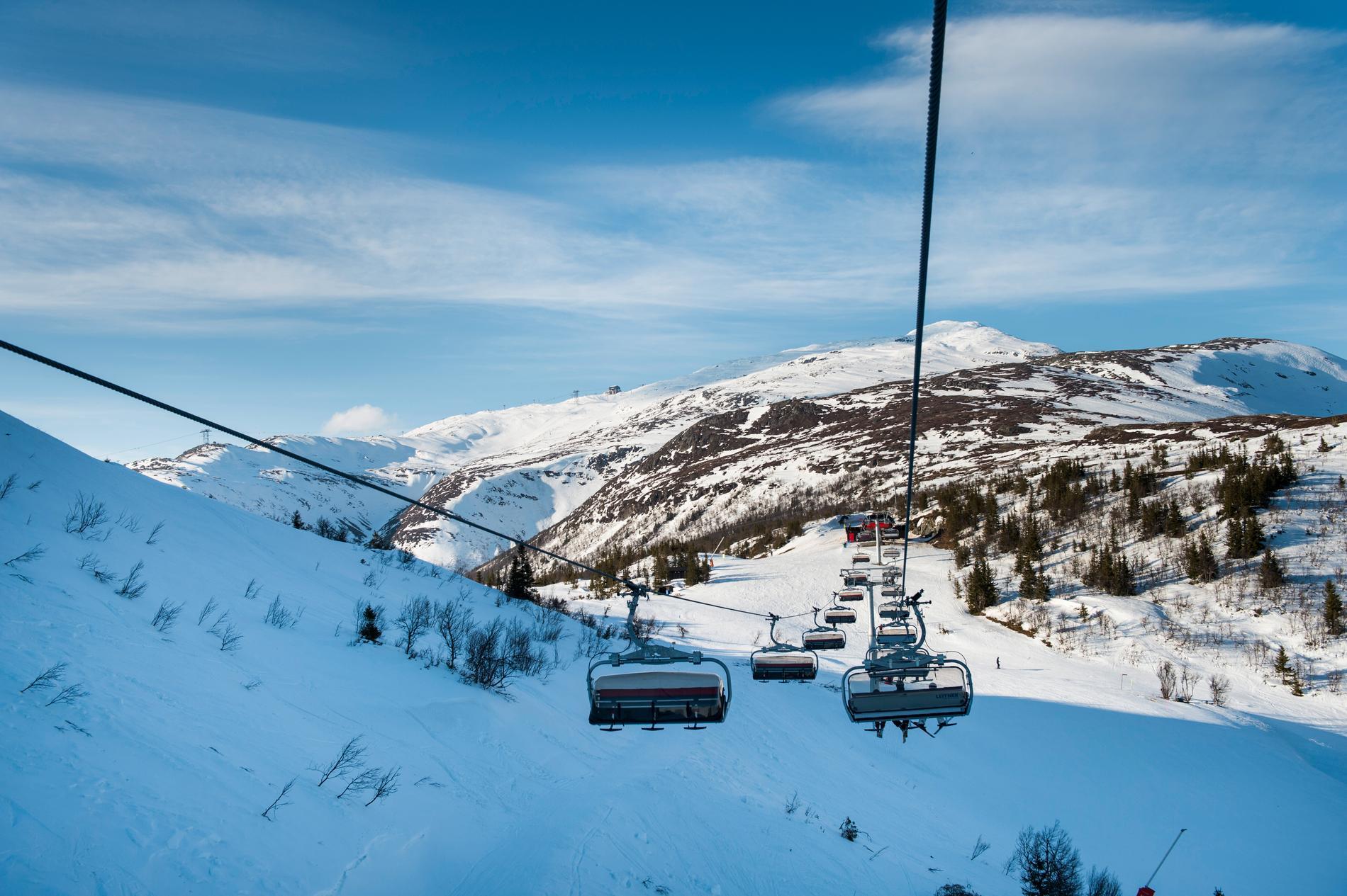 Skidanläggningarna i Vemdalen och Sälen öppnar till helgen, medan säsongspremiären i Åre dröjer ett tag till. Arkivbild.