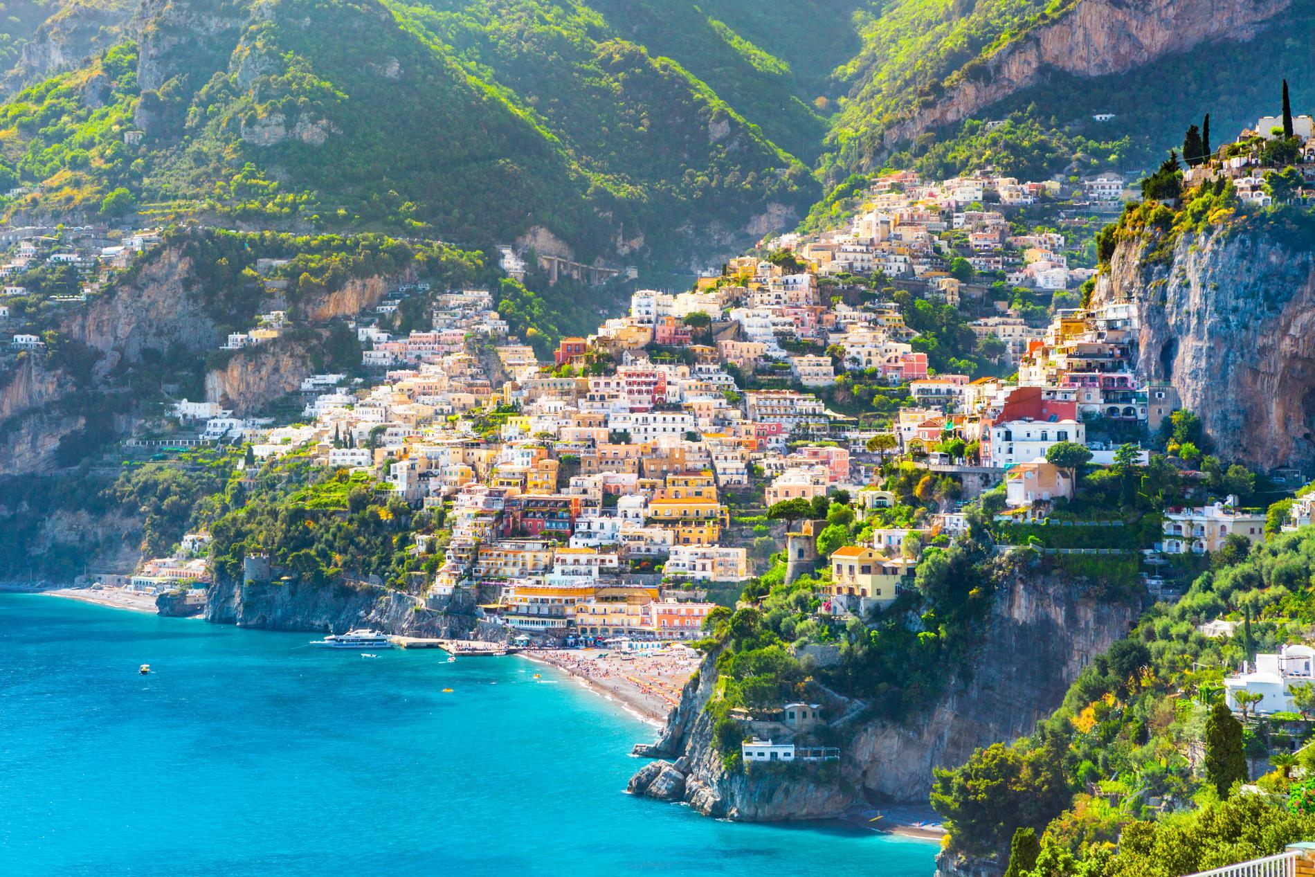 Positano är den stad som ligger längst till väster på Amalfikusten.