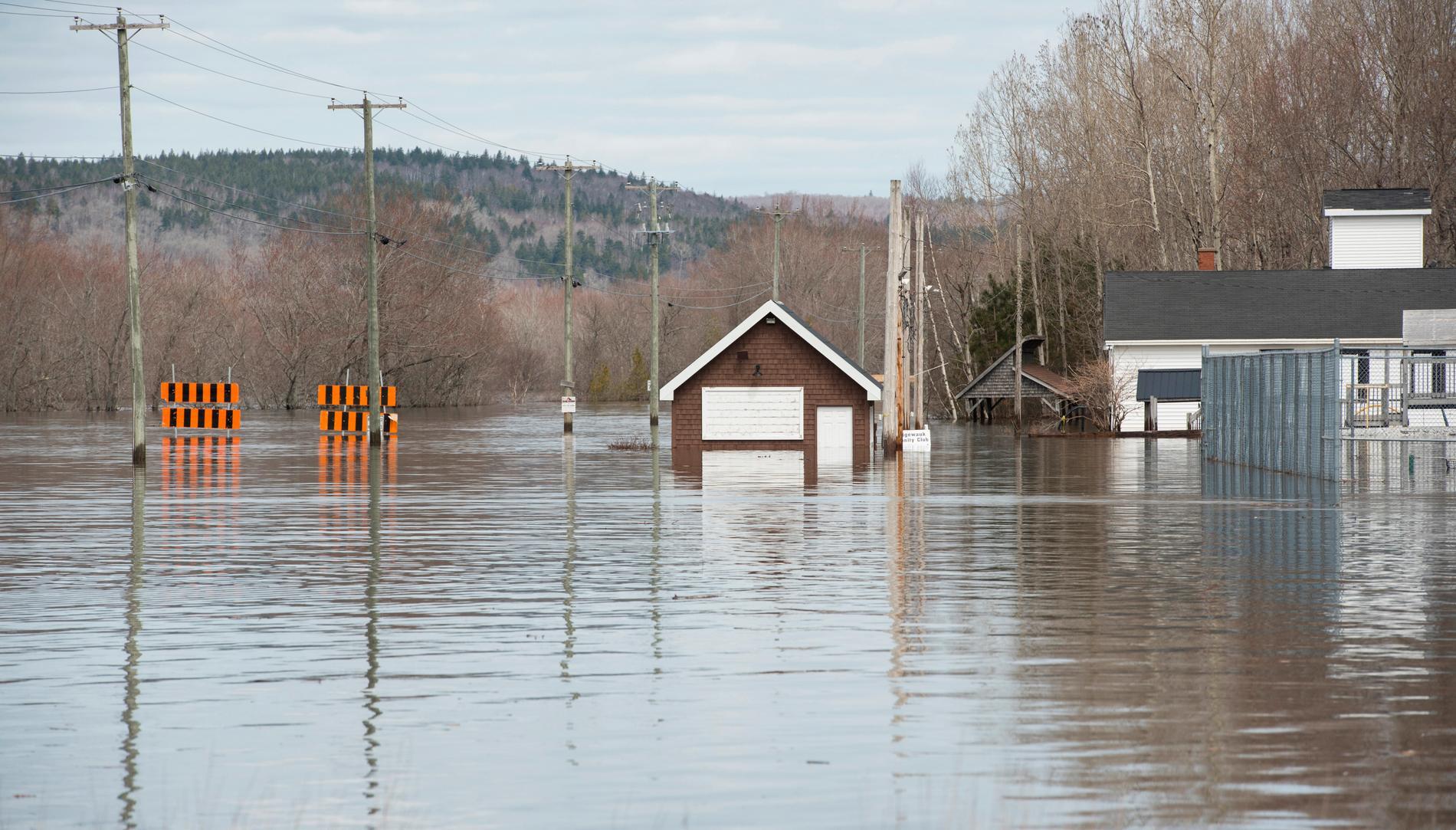 Översvämningar i Nauwigewauk i New Brunswick i Kanada.