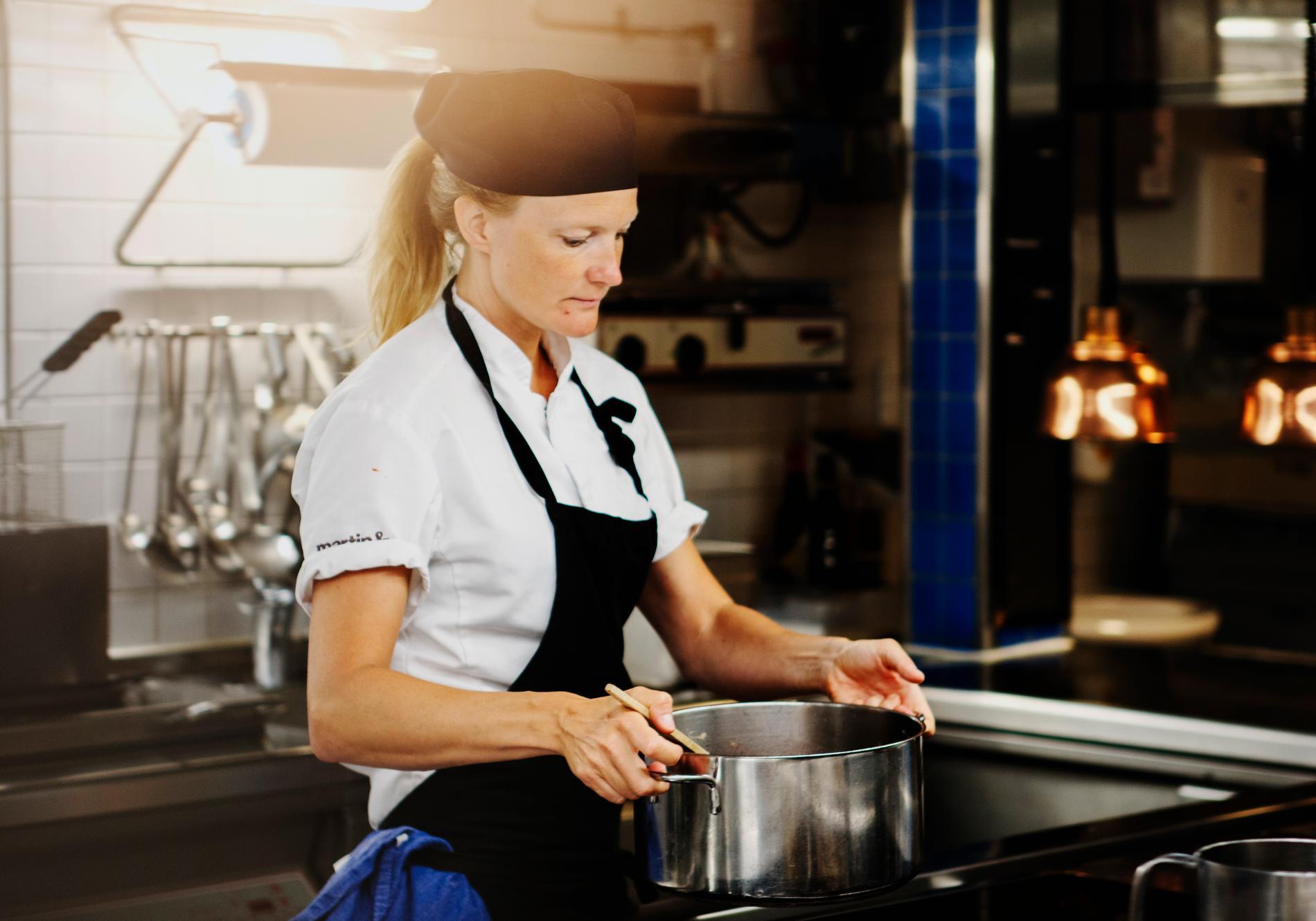 Nu har Karin Sundgrens No waste-middagar blivit  kokbok.