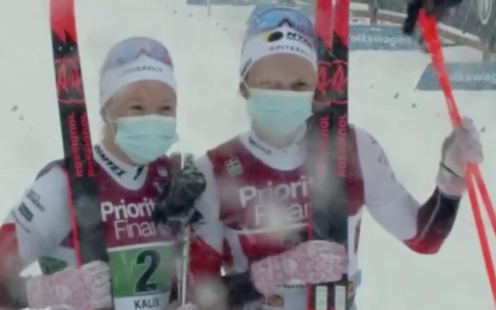Jonna Sundling (t.v.) och. Emma Ribom tog hem SM-guldet i sprintstafett.