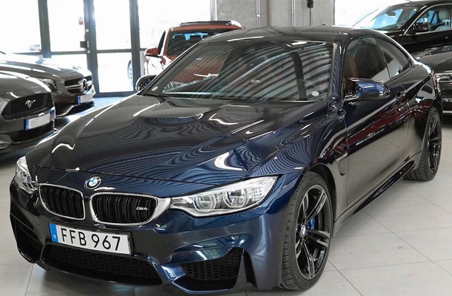 Denna BMW M4 coupé DCT stals i Almvik och är efterlyst.