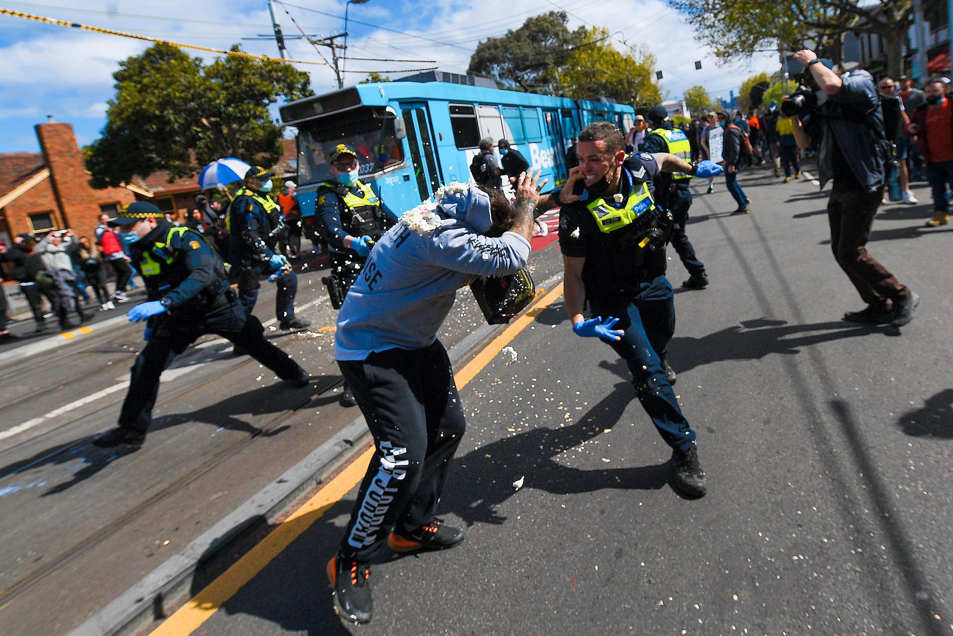 En liknande demonstration var planerad att hållas i Sydney under lördagen – men blåstes av.
