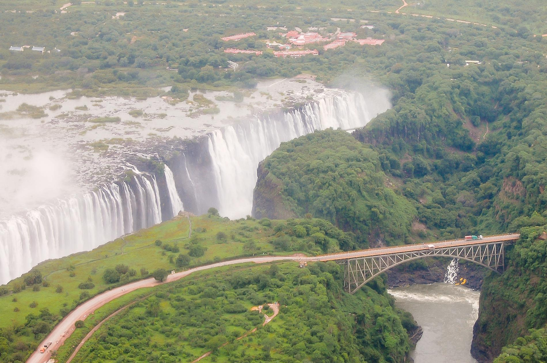 Vad sägs om att beundra detta stora vattenfall?