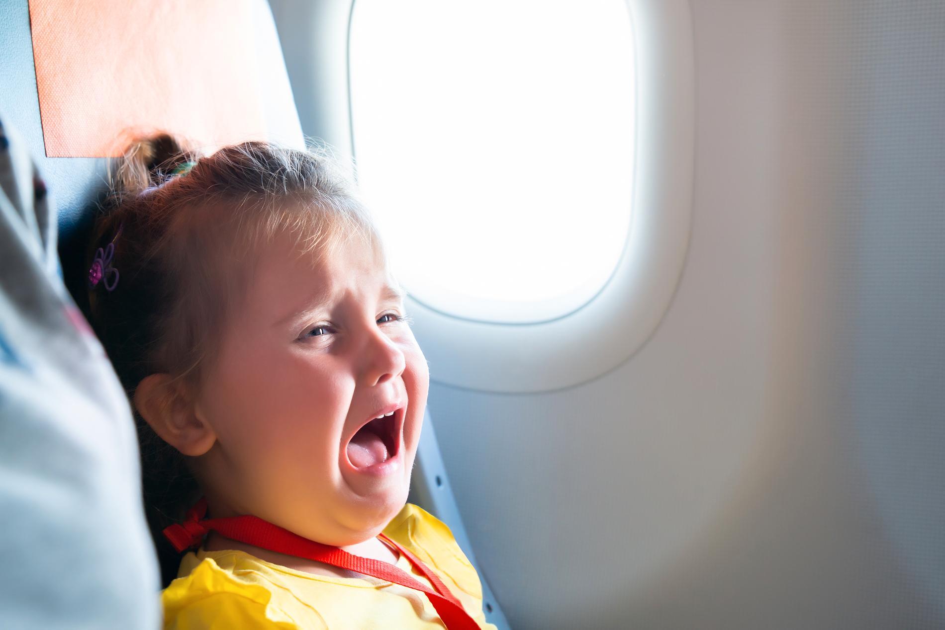 Skrikande bebisar är inte populärt på flyget.
