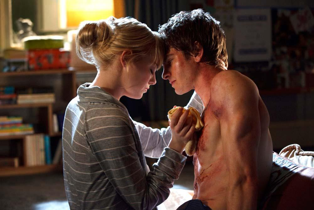 MAKA PAR Emma Stone som kaxiga Gwen kompletterar Andrew Garfields lite busigare Spider-Man.