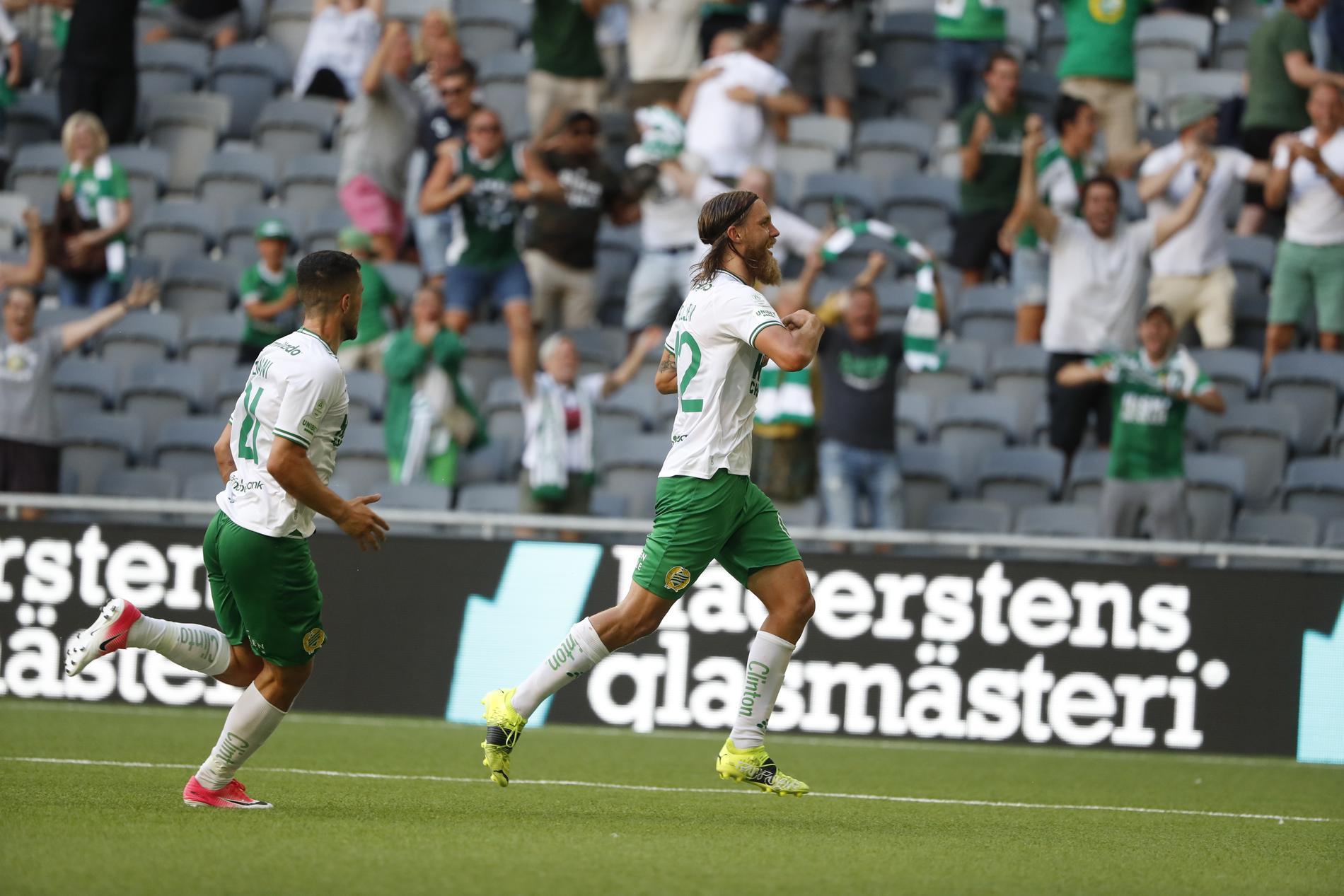 Björn Paulsen jublar efter sitt 2–1-mål.