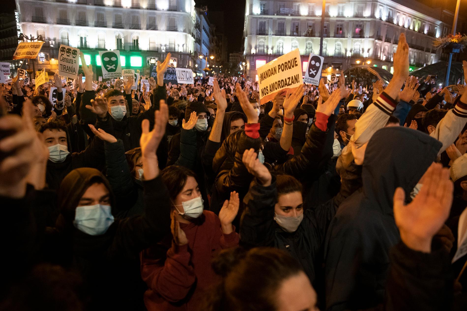 Demonstrationer i Madrid den 17 februari, i protest mot fängslandet av rapsångaren Pablo Hasél.