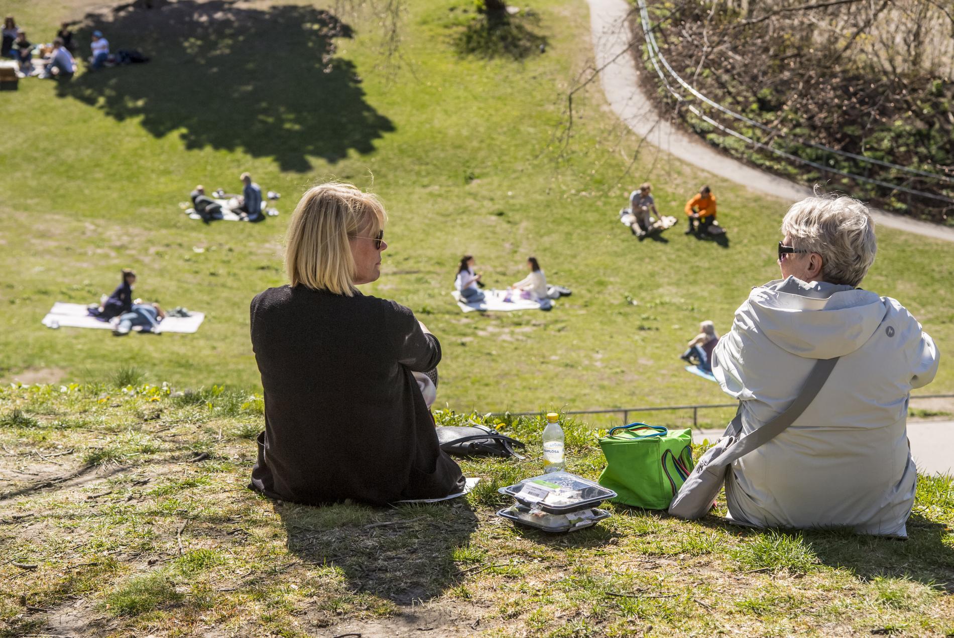 Efter en varm inledning på maj gjorde våren halt och månaden har varit kallare än normalt.