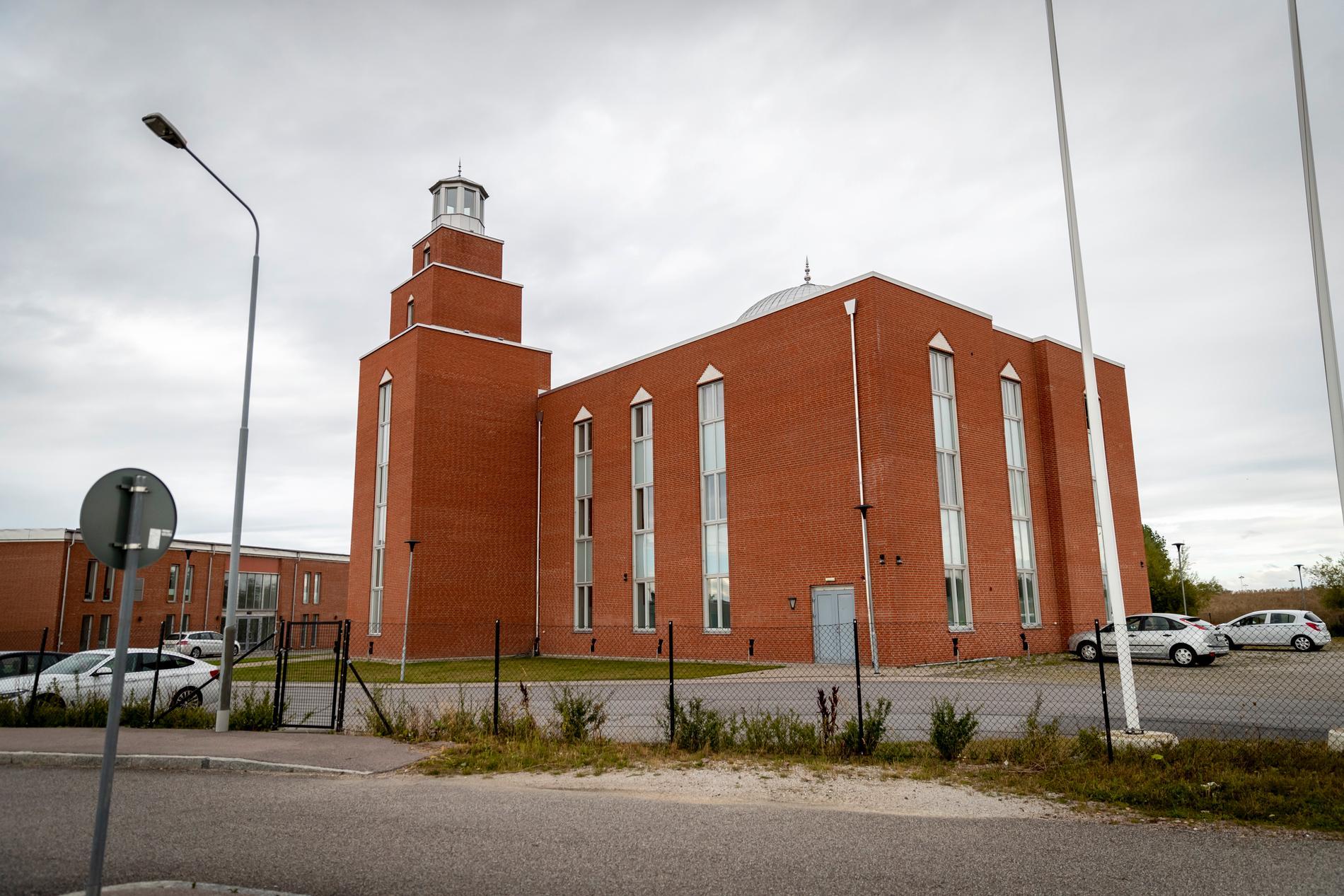 Mahmoodmoskén vid Yttre ringvägen i Malmö. Här är man beredd att ta emot Paludan för ett möte om innehållet i Koranen.