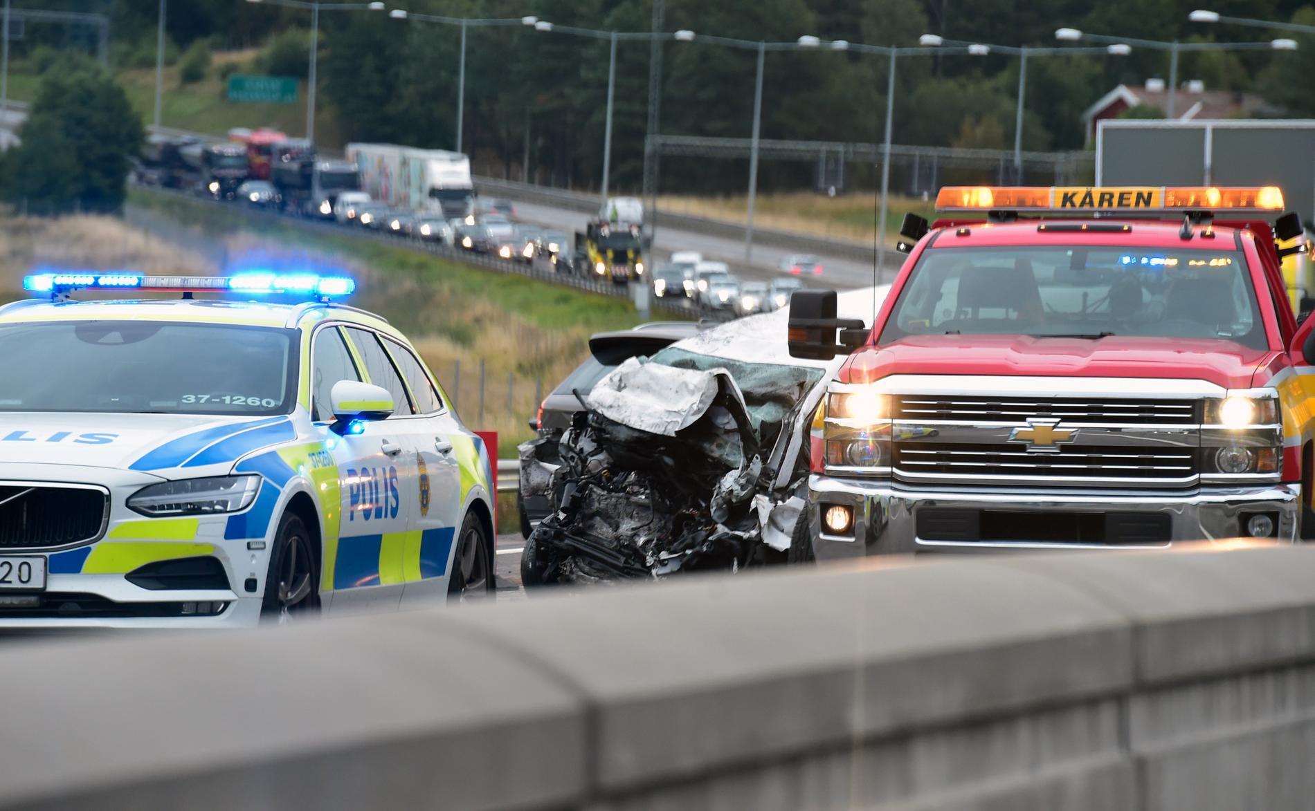 Bild från olycksplatsen på E4 i höjd med Salems kommun.