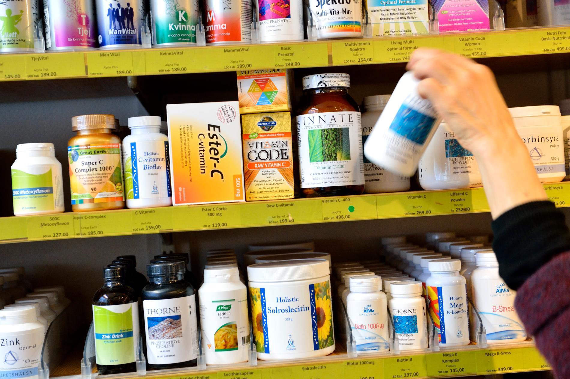 Fler svenskar köper vitaminer, mineraler och probiotika under coronapandemin – vilket har gett branschen ett uppsving. Arkivbild.