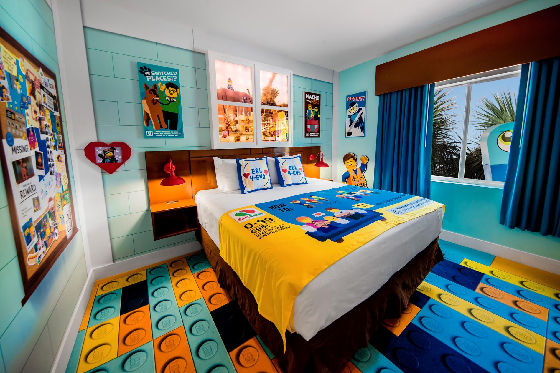 Hotellrum inspirerade av Legofilmerna öppnar också i mars.