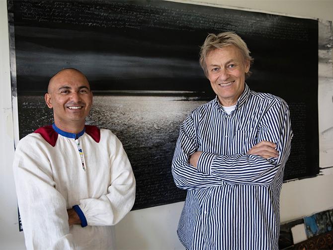 """Konsthallen i Sandgrund. Se Lars Lerins konst och Manoel """"Junior"""" Marques utställningar."""
