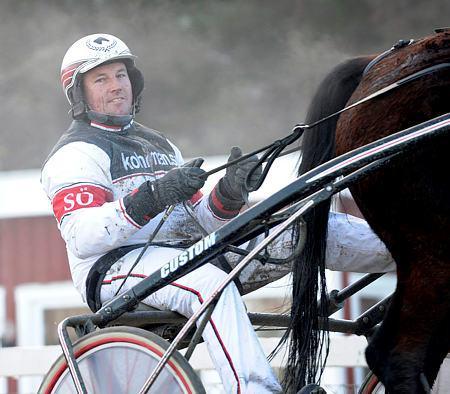 Stefan Öhman kan på lördag ta en V75-seger på hemmabanan Eskilstuna