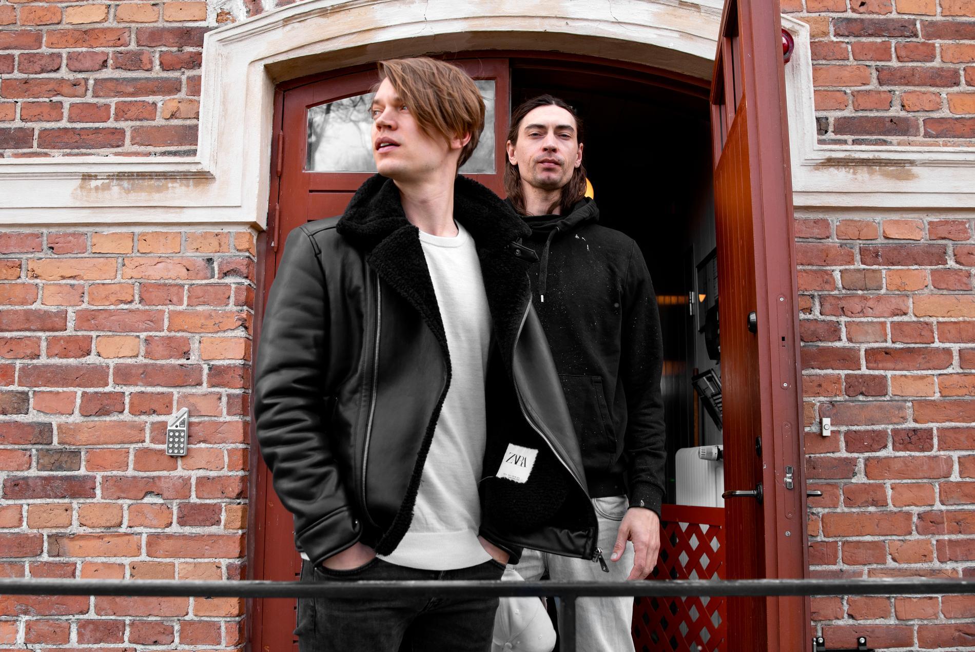 """Viktor och Gustaf Norén släpper i sommar sitt första gemensamma album """"Hymns to the rising sun""""."""