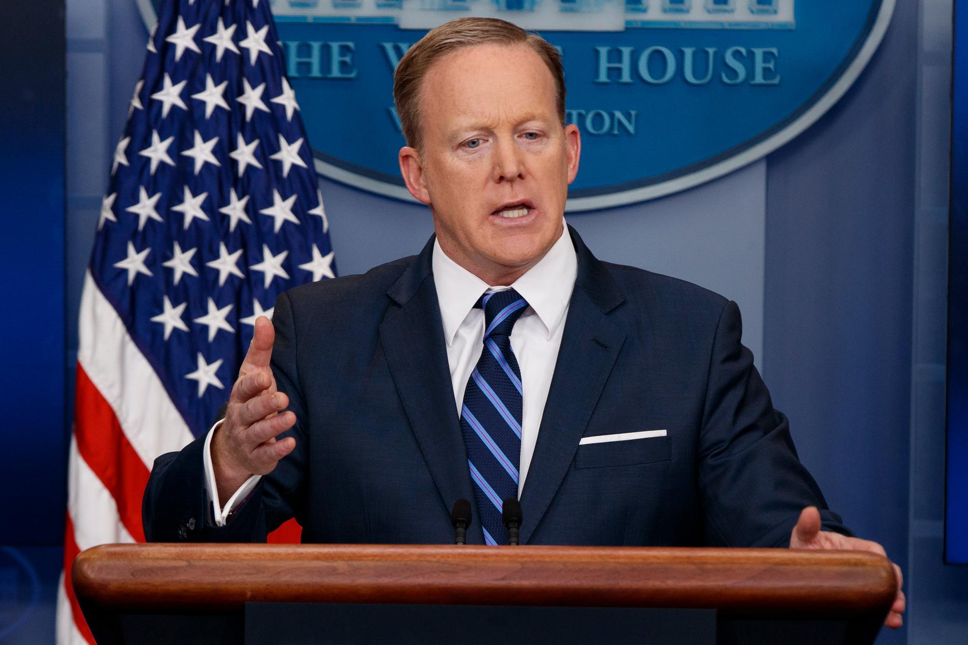 Pressekreteraren Sean Spicer vid sin dagliga presstråff i Vita huset