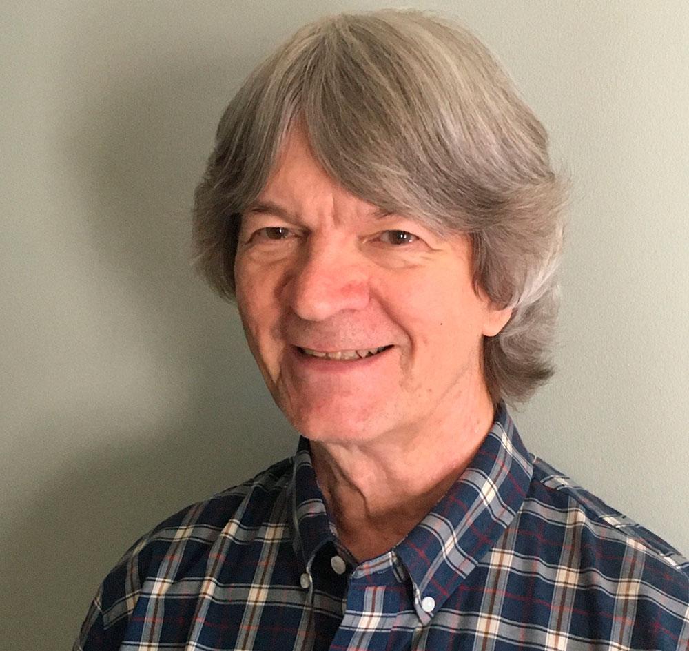 Kenneth Thomas, professor emeritus i statsvetenskap vid universitetet i St Louis i Missouri.