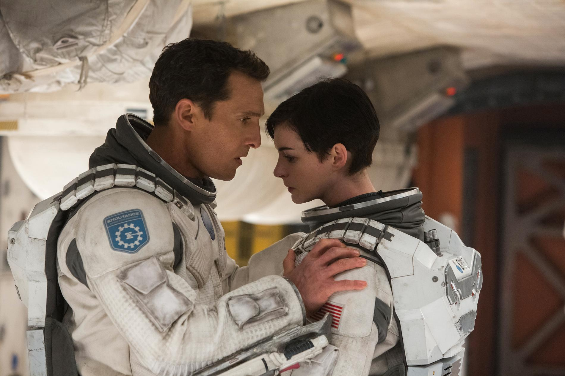 """Matthew McConaughey och Anne Hathaway i """"Interstellar""""."""