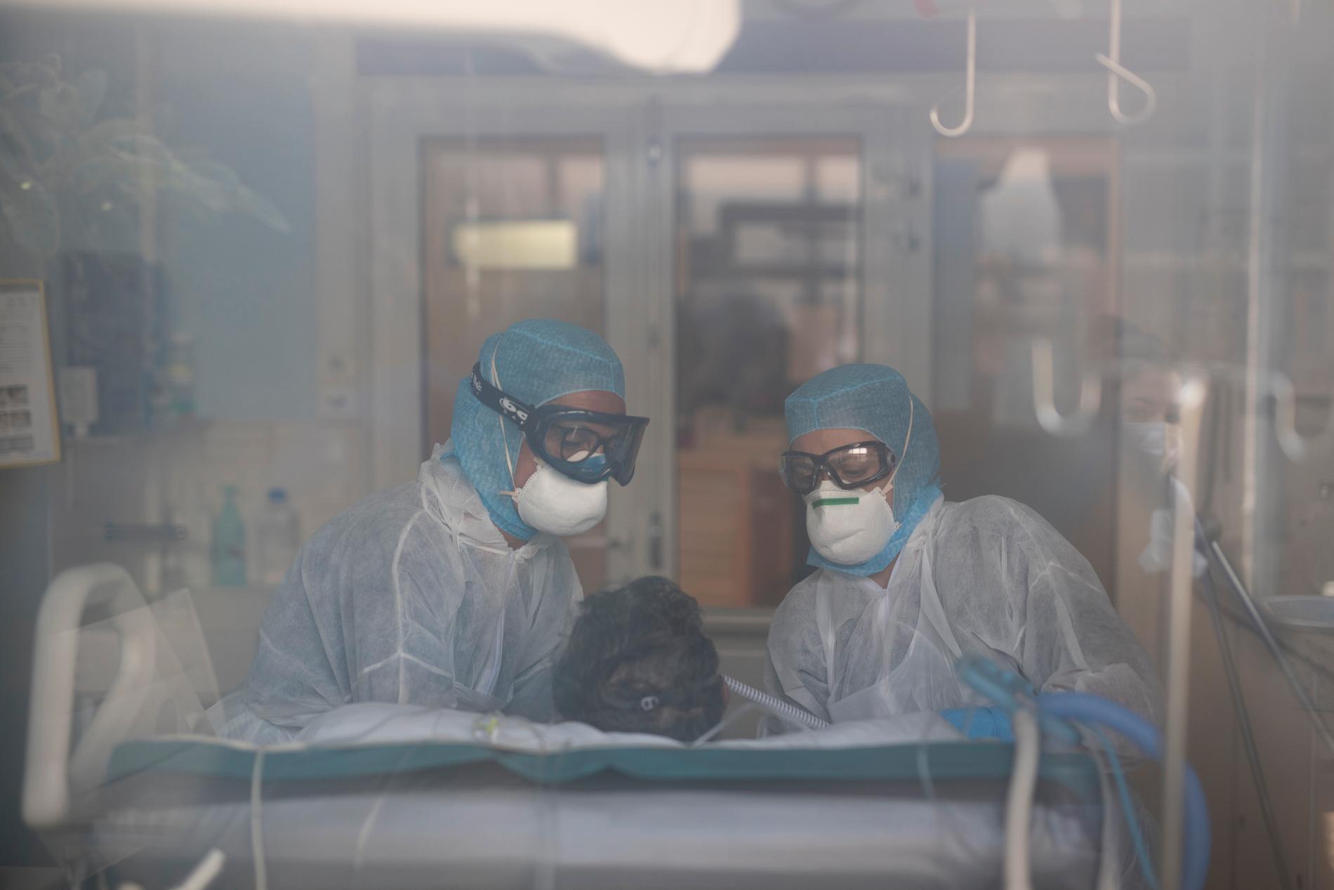 Sjukvårdspersonal på ett sjukhus i Frankrike.