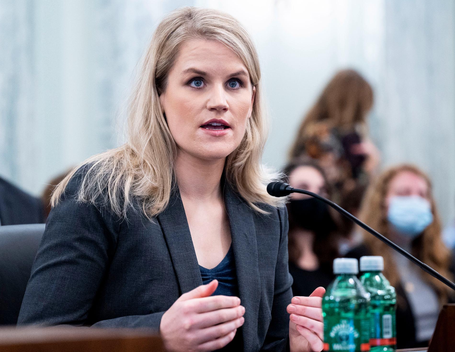 Den för detta Facebook-anställda Frances Haugen vittnade i tisdags i amerikanska senaten om att hennes tidigare arbetsgivare mörkat komprometterande forskning om företaget.
