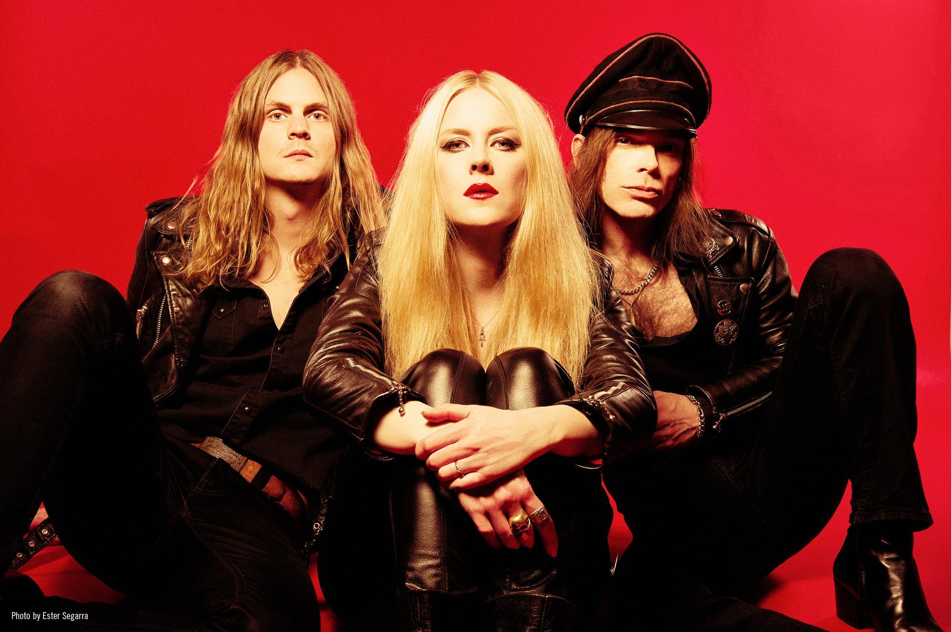 Lucifers nya konstellation: Robin Tidebrink, Johanna Sadonis och Nicke Andersson.
