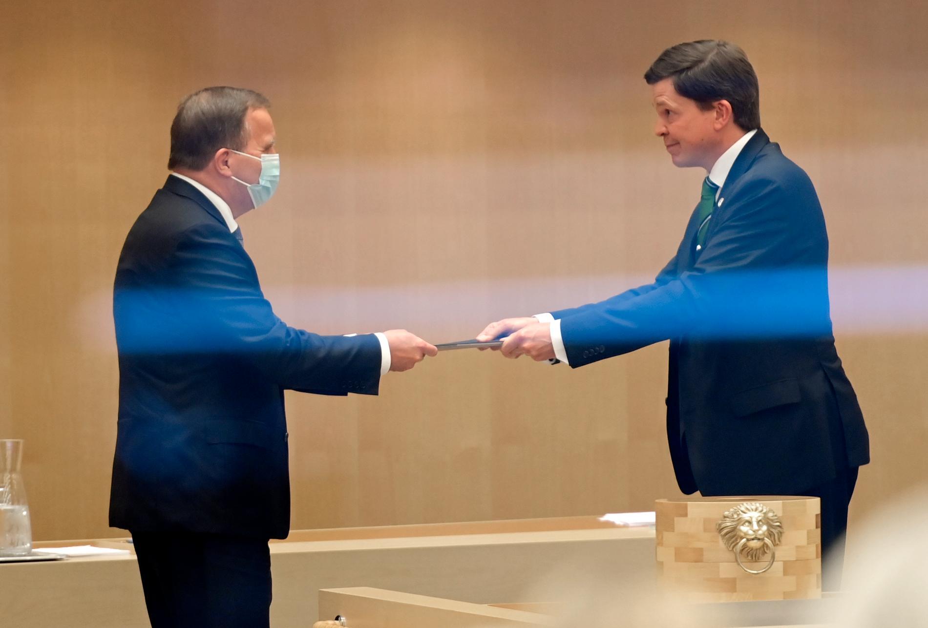 Stefan Löfven röstas fram till statsminister.