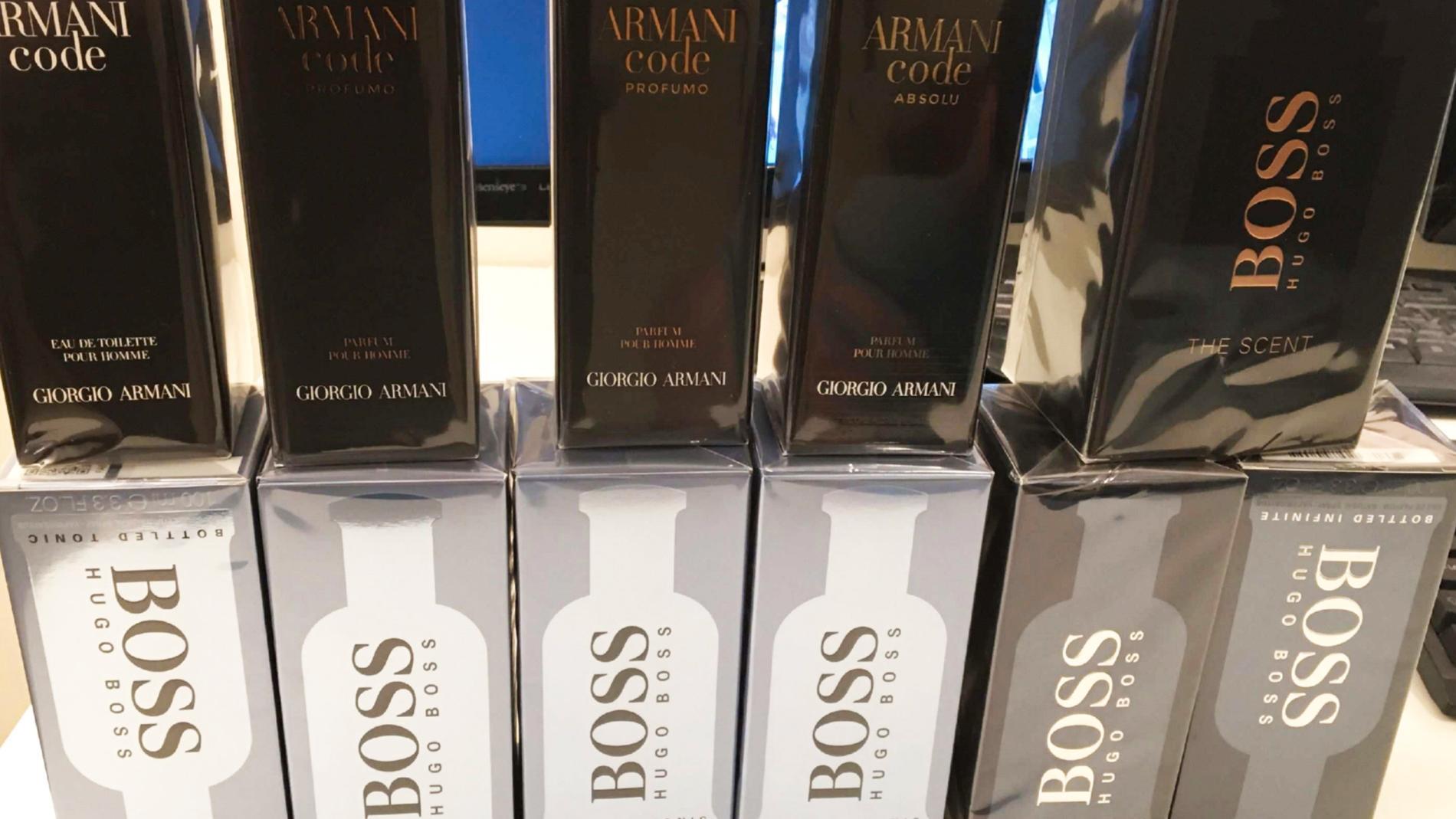 Parfymer för ett värde av totalt 9 610 kronor stals.