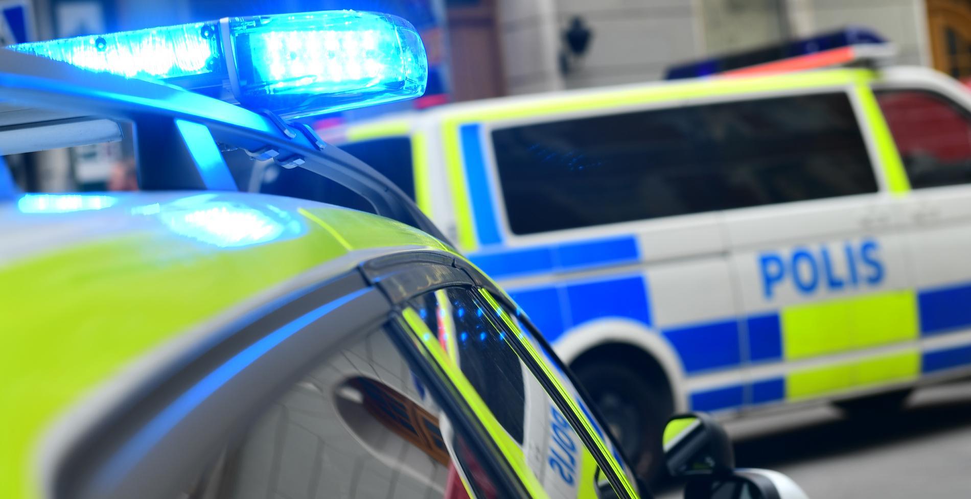 Polis ryckte ut med 5–6 fordon efter att en man uppträtt aggressivt.