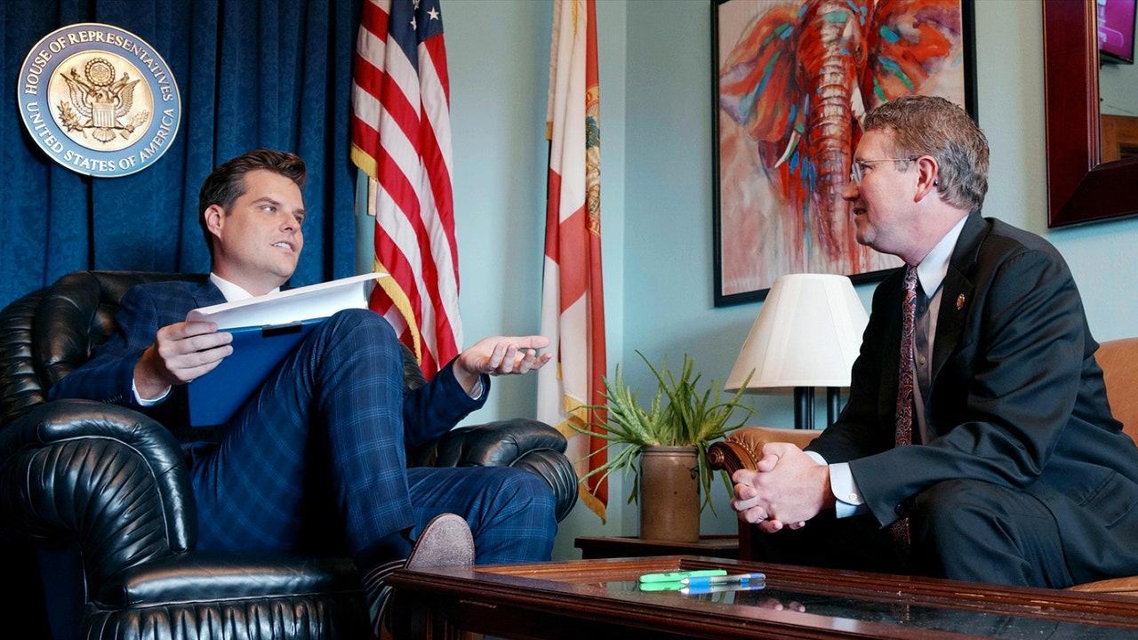 """Kongressledamöterna Matt Gaetz och Thomas Massie i """"The swamp""""."""