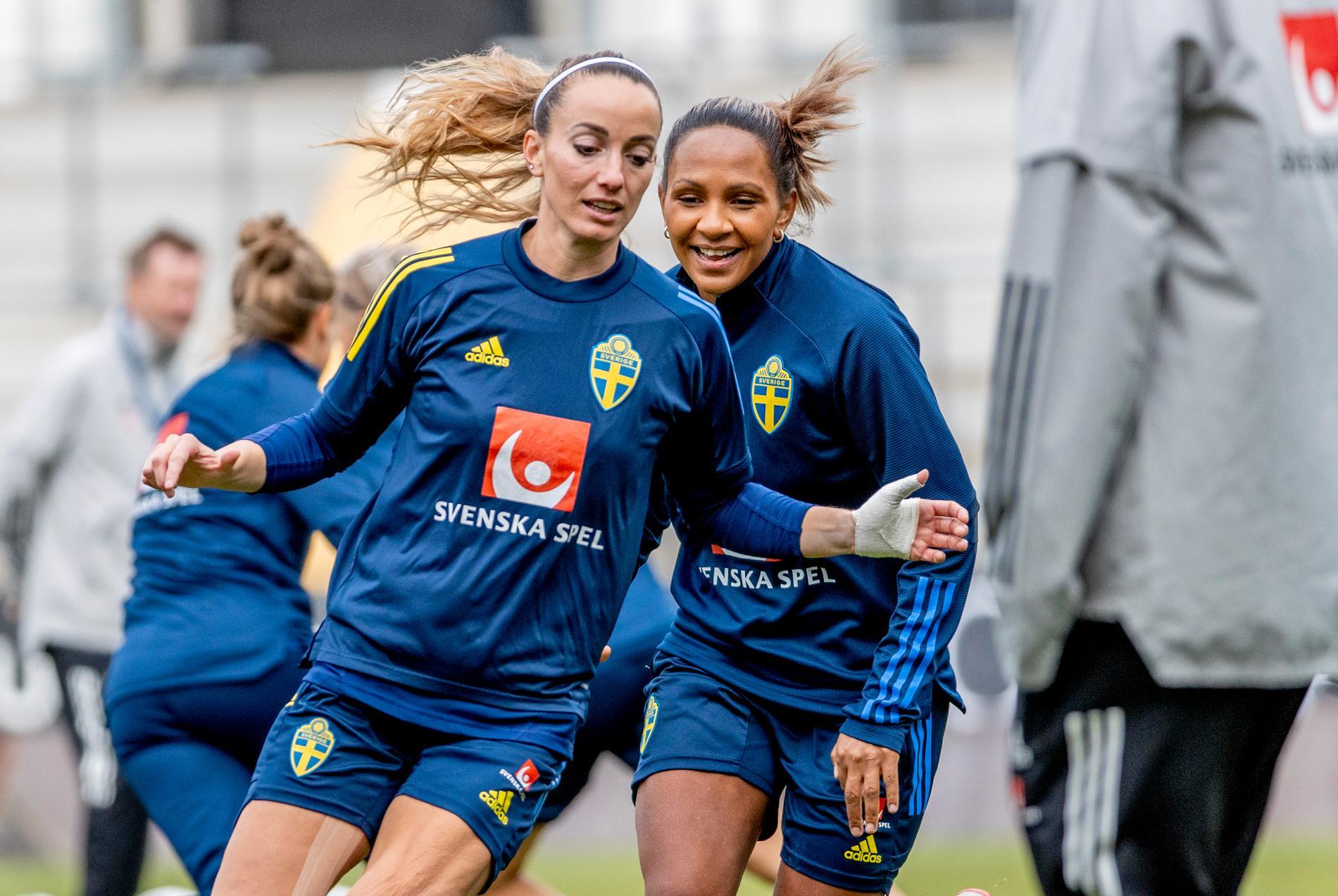 Kosovare Asllani, Madelen Janogy och resten av det svenska fotbollslandslaget kan glädja sig åt att äntligen få spela inför publik igen.
