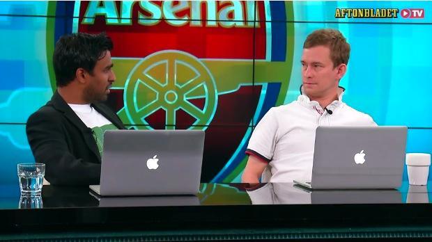 Kalle Karlsson och Erik Niva diskuterar Leicesters framgångar med programledaren Patrik Syk.