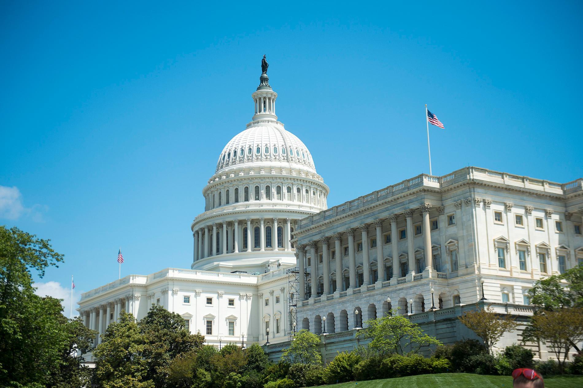 Hit vill kandidaterna i mellanårsvalet. Kongressbyggnaden Capitolium i USA:s huvudstad Washington DC.