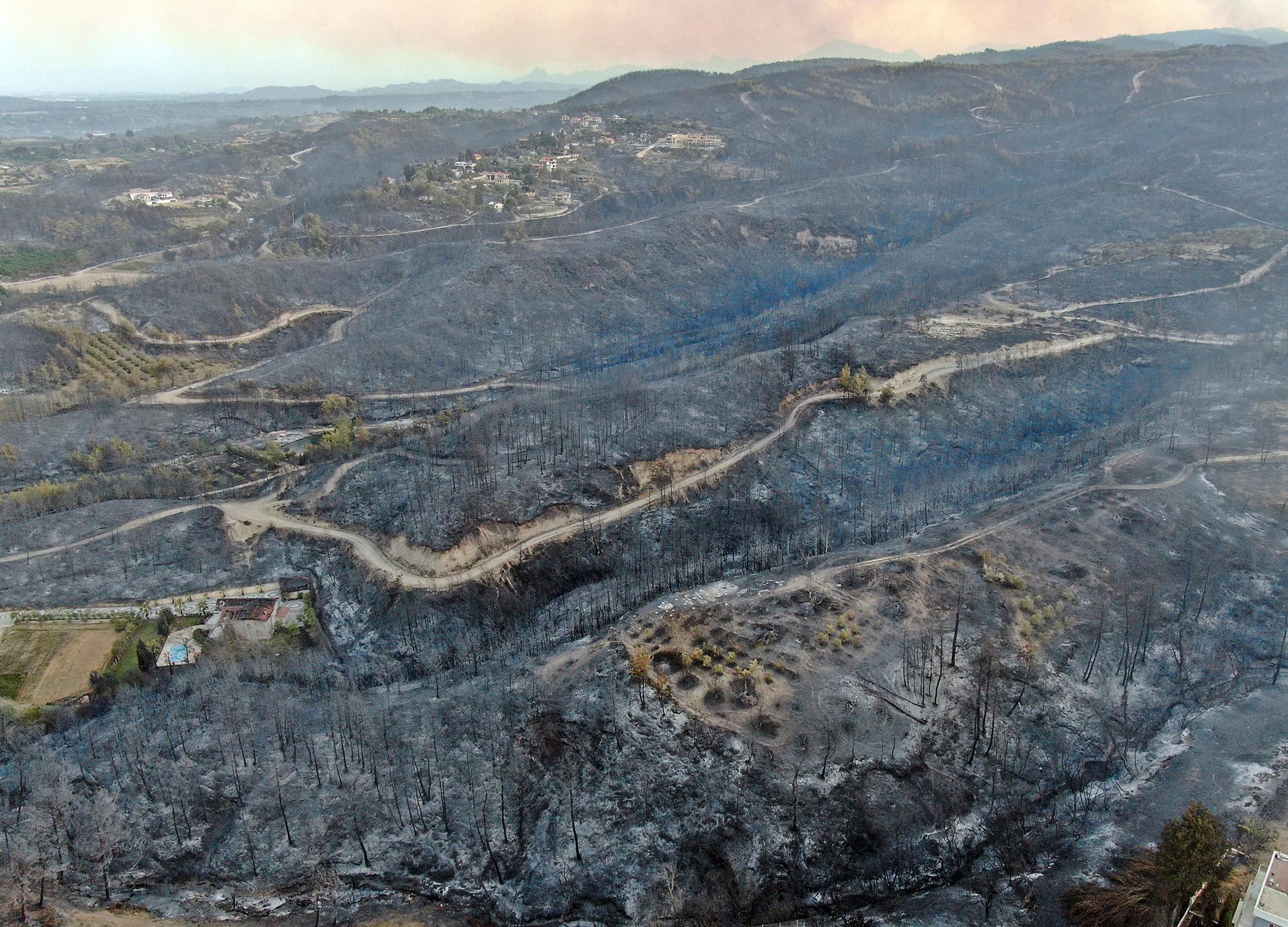 Enligt myndigheterna är bränderna som rasar nu de värsta hittills.