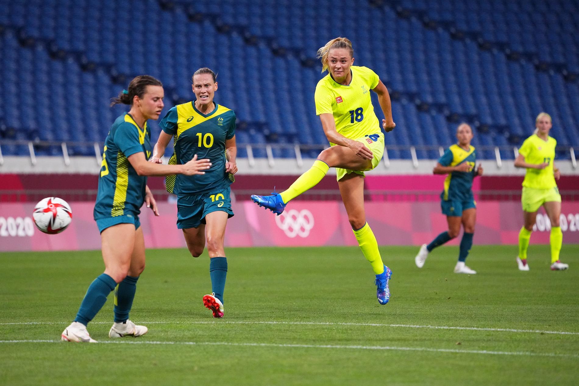 Fridolfina Rolfö drämde till med två mål mot Australien.