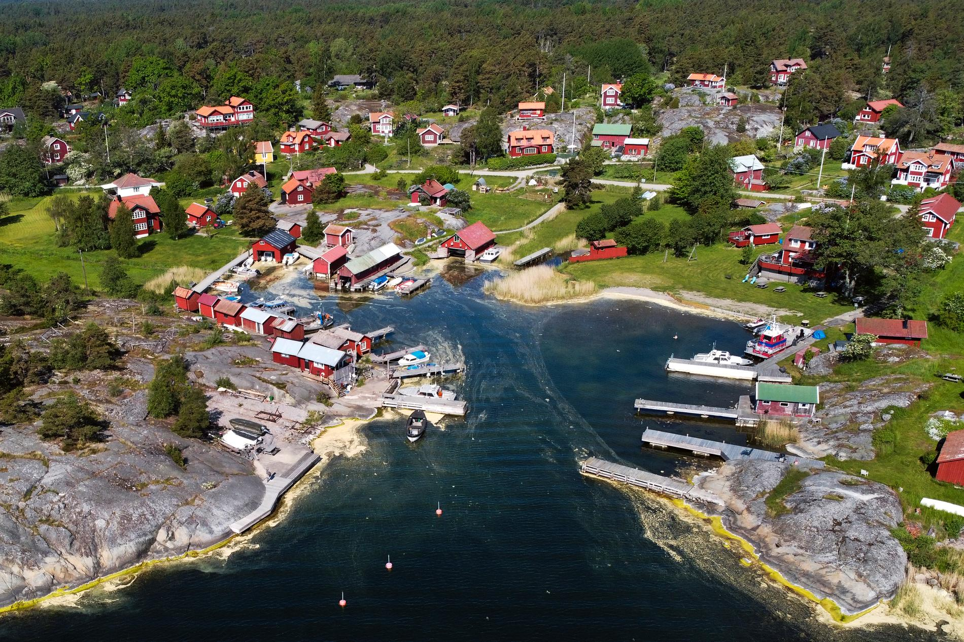 Möja är en livlig ö, ganska så mitt i Stockholms skärgård.