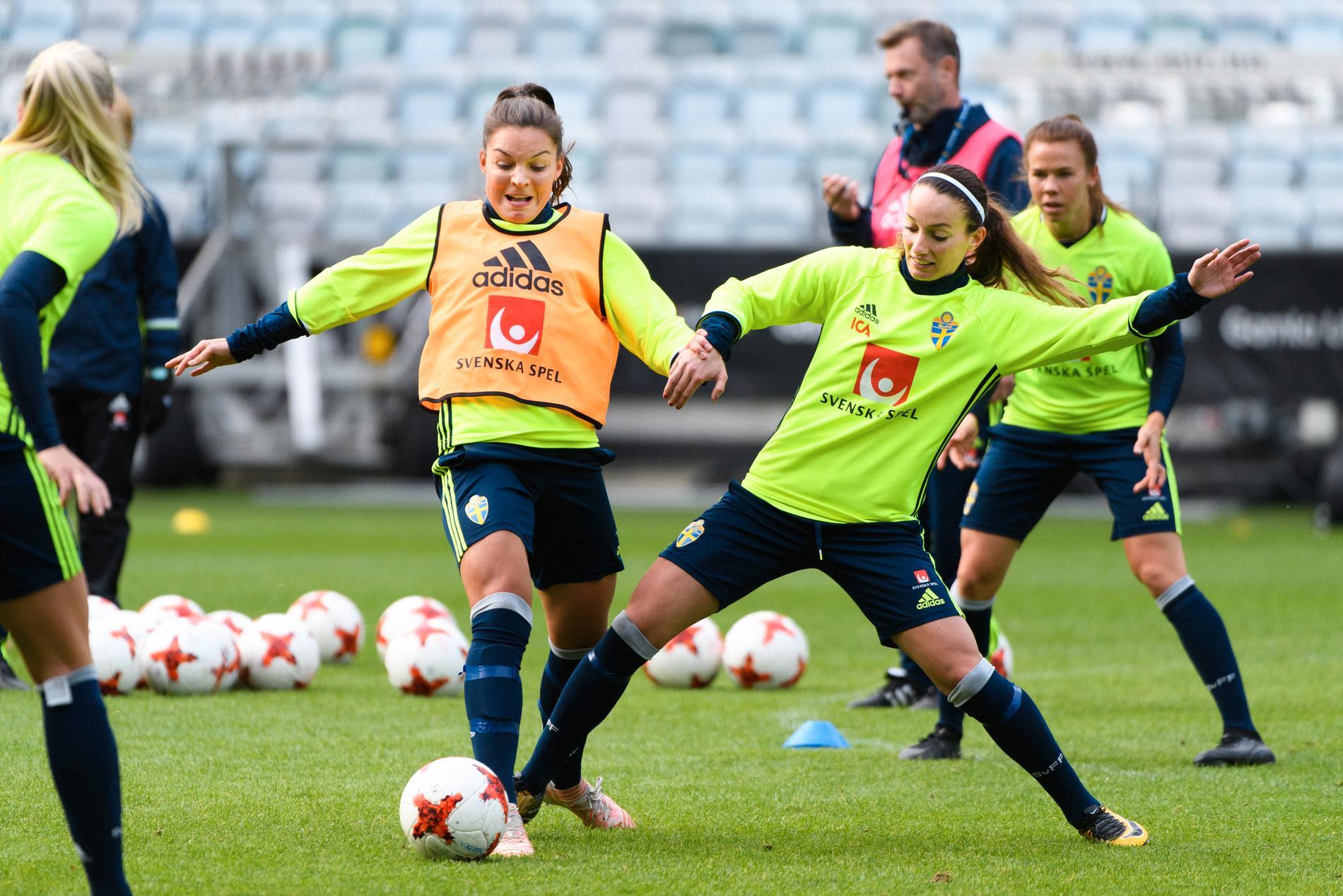 Johanna Rytting Kaneryd (till vänster).