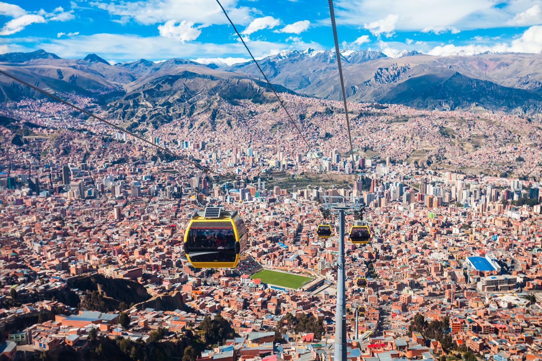 Världens längsta linbanesystem ligger i La Paz.