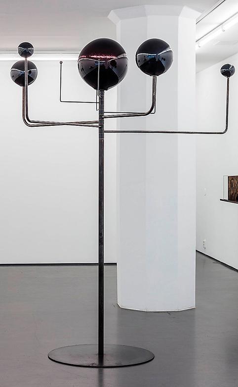 Ebba Matz: 8 minutes 20 seconds, skulptur, glas.