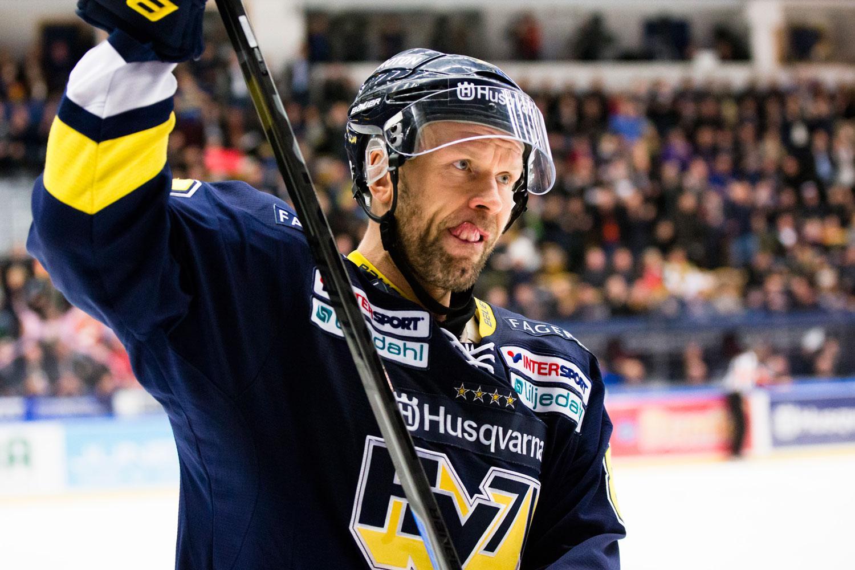 Jere Karalahti blir inte kvar i HV71.