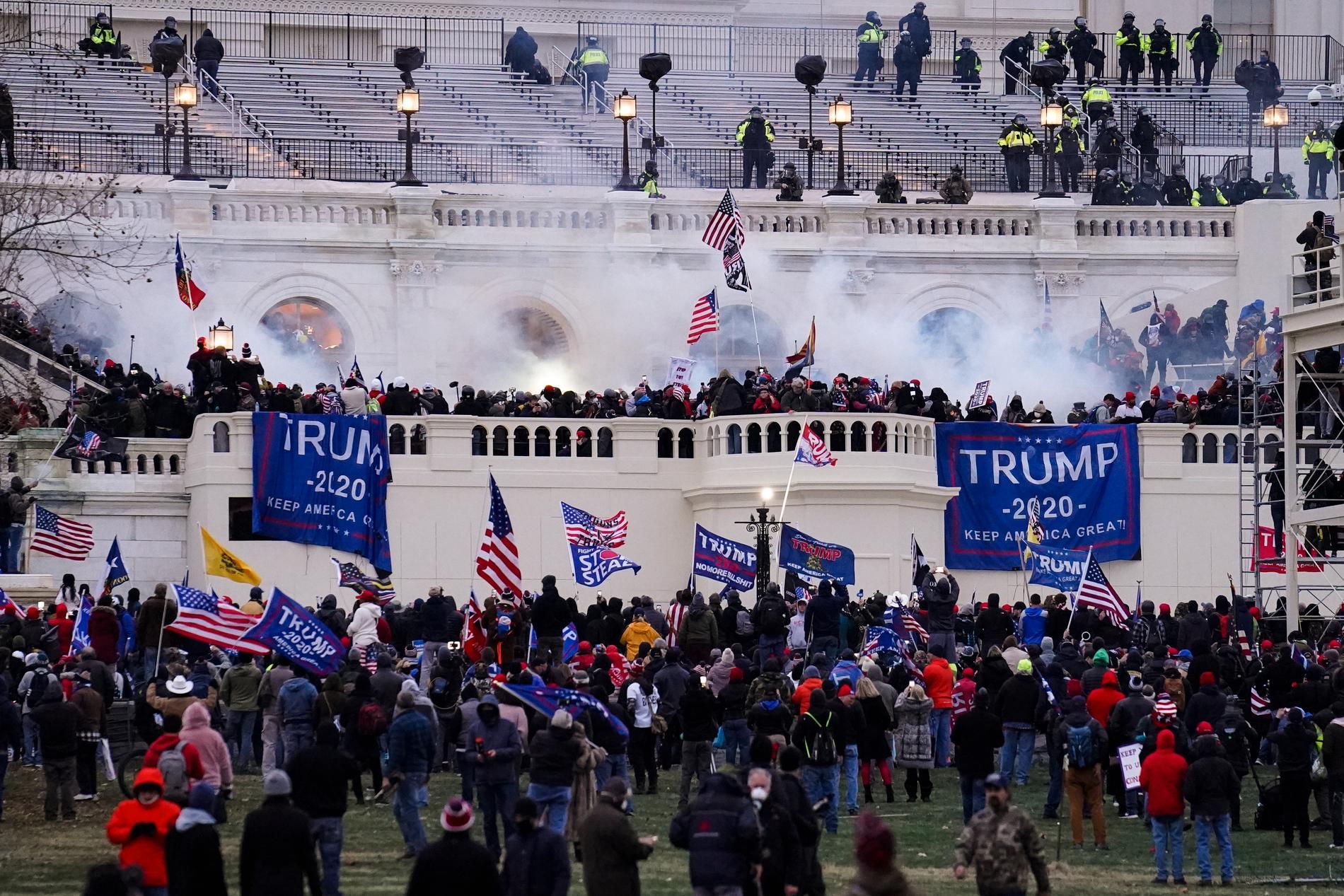Den historiska stormningen av kongressbyggnaden Kapitolium i Washington DC den 6 januari 2021. Arkivbild.