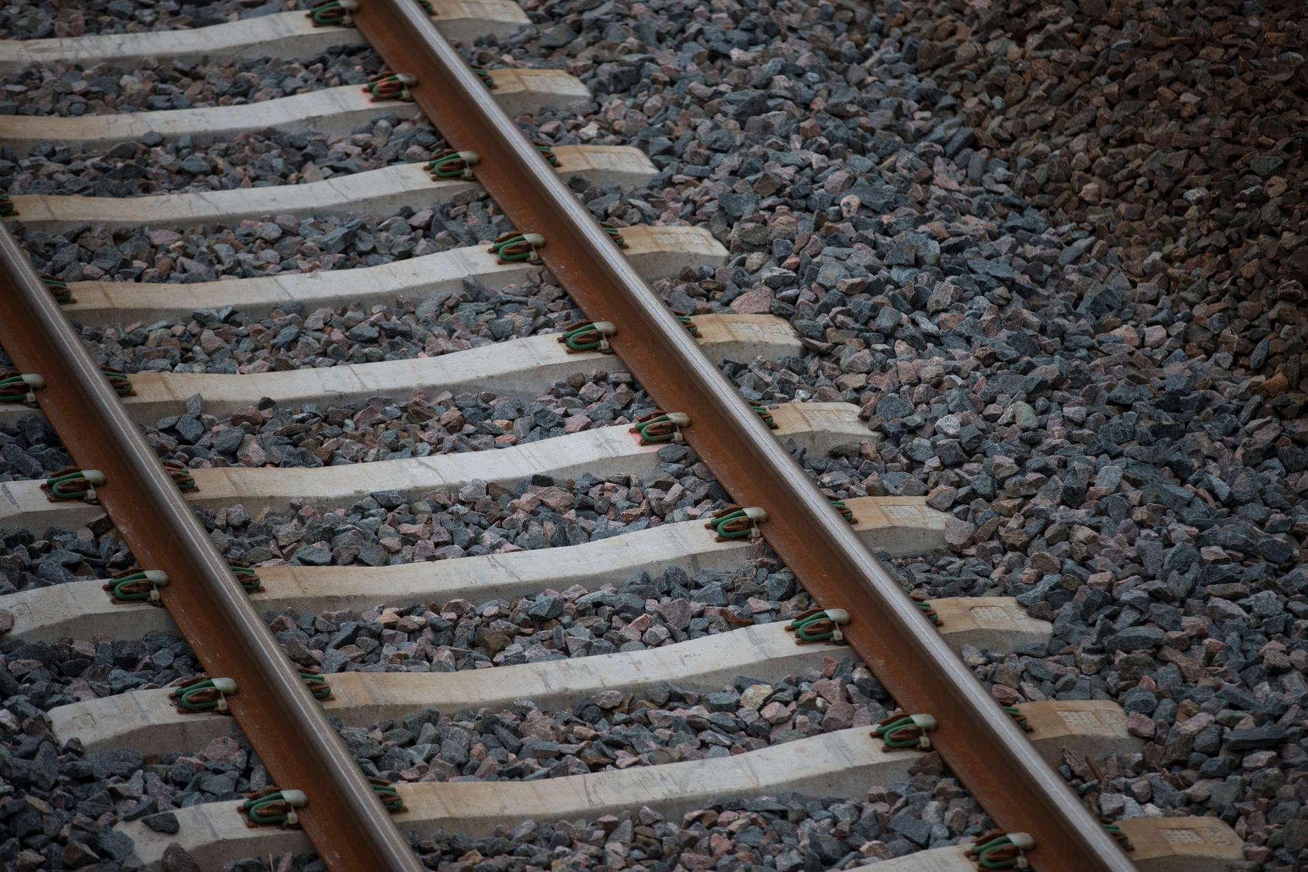 Fyra tågspår mellan Uppsala och Stockholm, om regeringen får bestämma. Arkivbild.