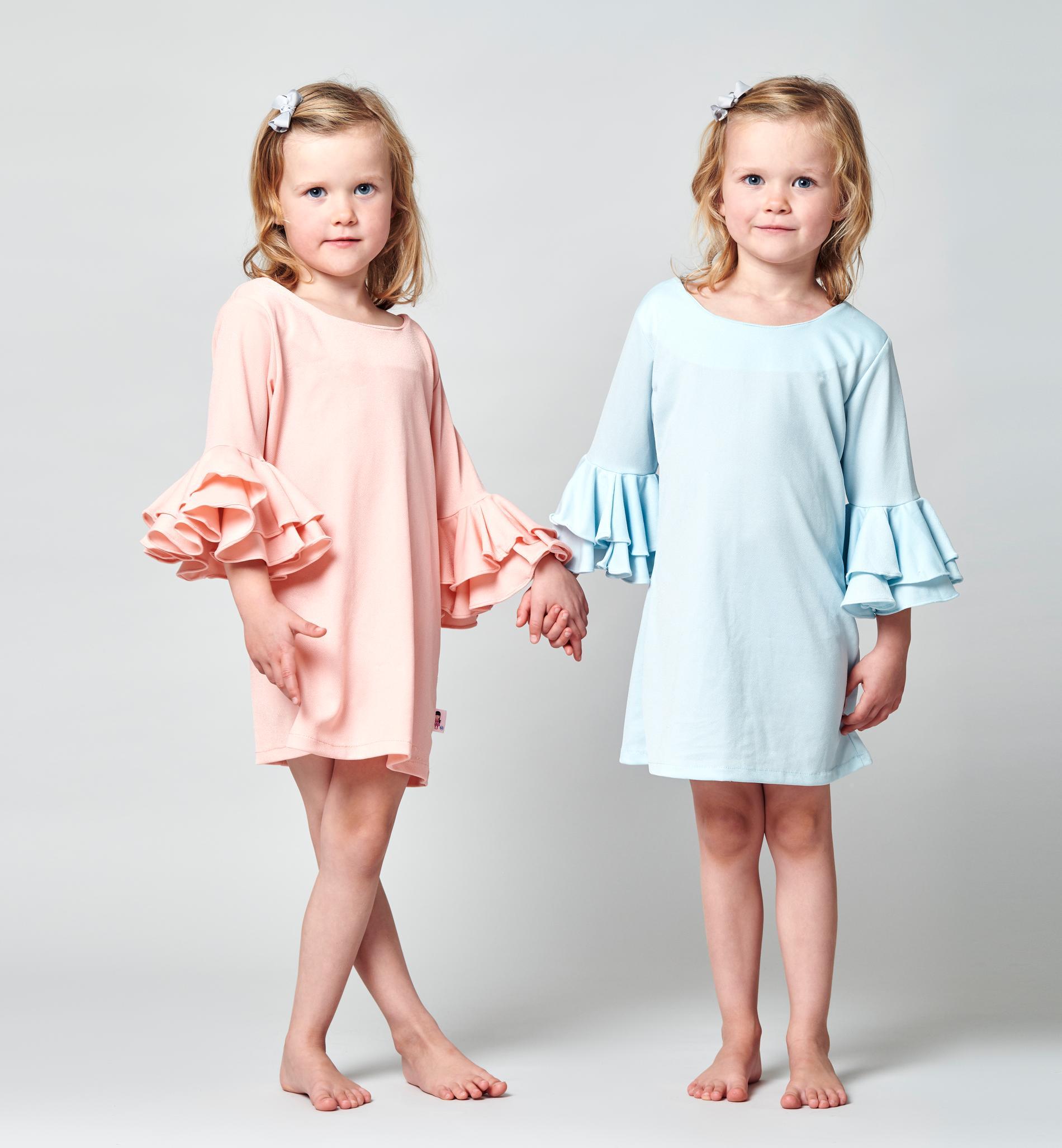 Tvillingana Siri och Lily