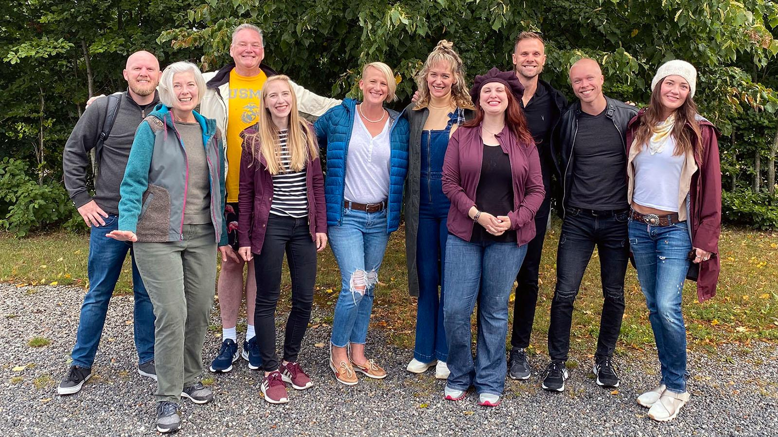 """Deltagarna i """"Allt för Sverige"""" 2022. Från vänster Michael, Sharon, Bret, Nicole, Erika, Sally, Melody, Jon, Trevor och Brittany."""