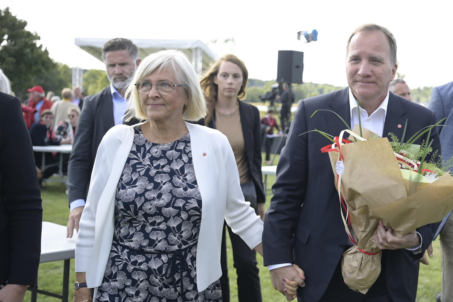 Stefan Löfven efter sommartalet tillsammans med sin fru Ulla.