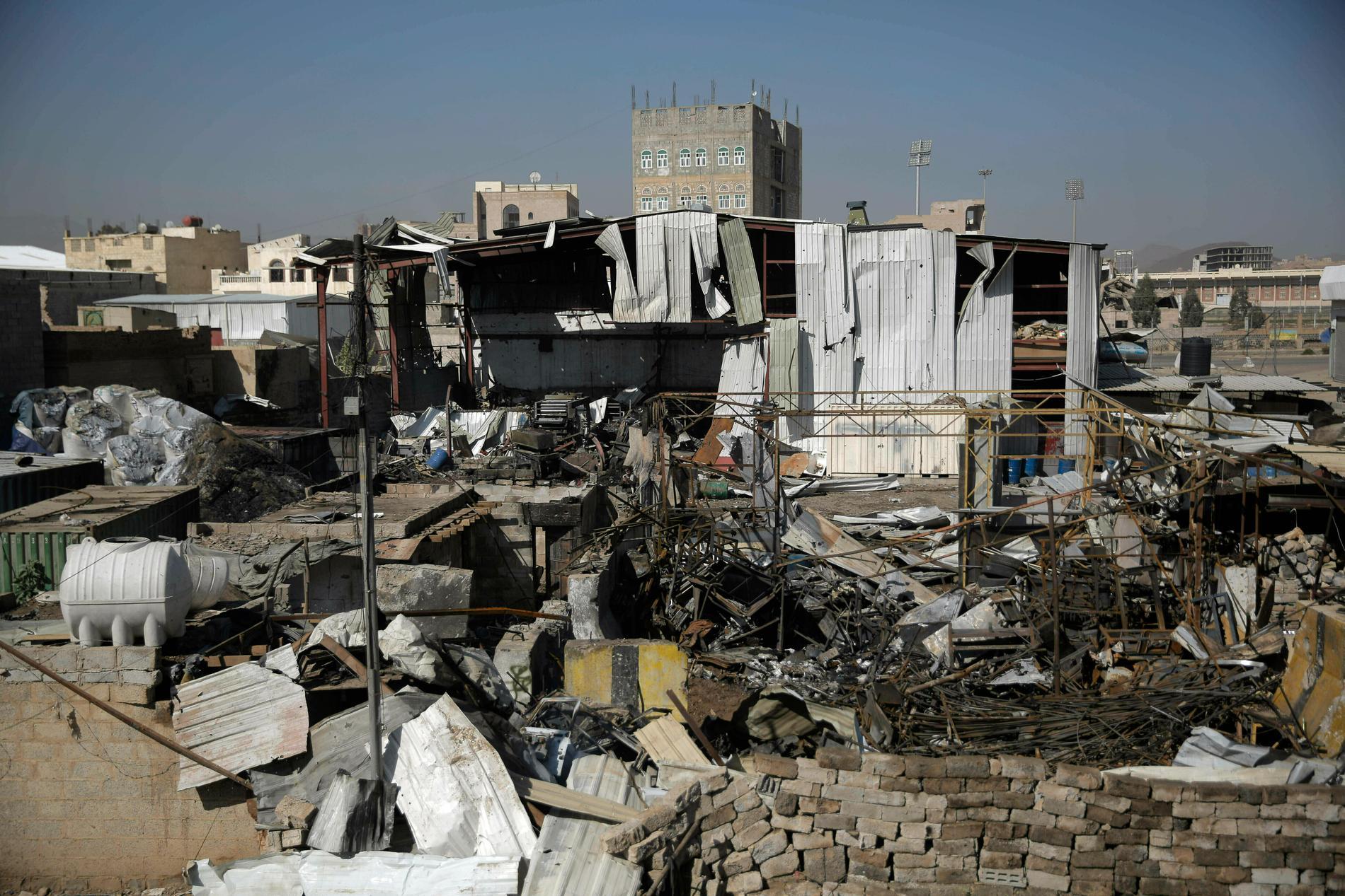 Kriget i Jemen rasar vidare. Bild från Sanaa i april.